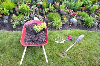 Riverstone/ Mulch/ Garden